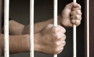 Spaanse politieagent die een onschuldige Marokkaan doodschoot is tot 16 jaar celstraf veroordeeld