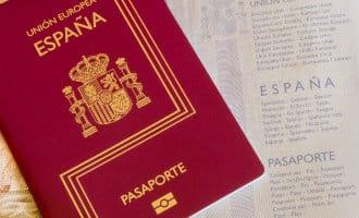 Openbaar Ministerie vraagt aan rechter om intrekking paspoorten van gevluchte Catalaanse politici