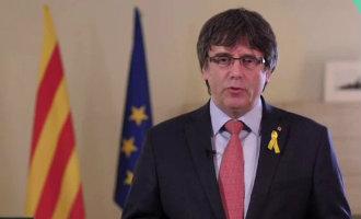 Puigdemont treedt tijdelijk af als premier-kandidaat Catalonië en doet een stap terug