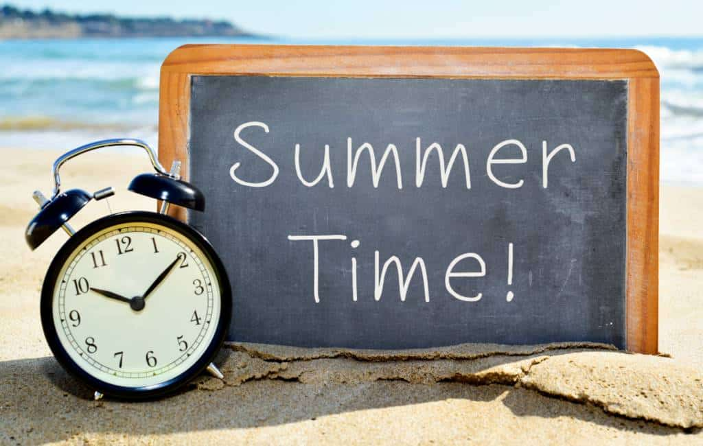 En als we de zomertijd nu eens niet invoeren in Spanje?