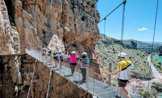 De gerenoveerde en vernieuwde Caminito del Rey viert driejarig bestaan