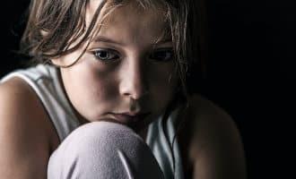 Er komen steeds meer arme kinderen bij in Catalonië aldus Save The Children