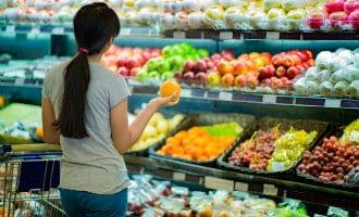 Bijna de helft van de verse producten wordt in de Spaanse supermarkten weggegooid