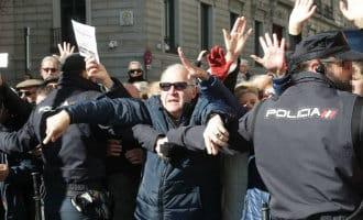 Spaanse gepensioneerden geven de strijd niet op en blijven demonstreren voor een hoger pensioen