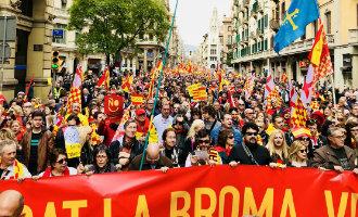 Duizenden Tabarnia aanhangers bijeen in Barcelona tijdens eerste grote manifestatie
