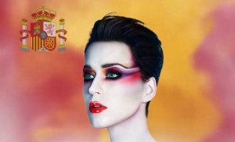 Zangeres Katy Perry krijgt kritiek vanwege het gebruik van de Spaanse vlag voor Barcelona concert
