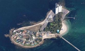 Het eilandje van de rijken voor de kust van Vigo in Galicië