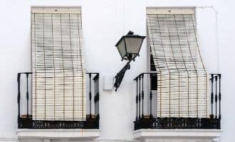Waarom de Spanjaarden de enige Europeanen zijn met een obsessie voor rol- en raamluiken