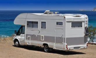 Verboden campers te parkeren op de stranden van de provincie Alicante