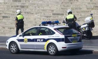Lokale politie Valencia arrsteert drie nep-agenten die toeristen beroofden