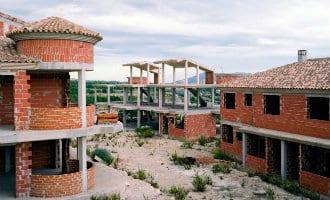 De leegstaande woning skeletten in Spanje in beeld gebracht door Spaanse fotograaf