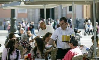 Werkloosheid met bijna 50.000 mensen gedaald tot 18,5 miljoen werkers in Spanje