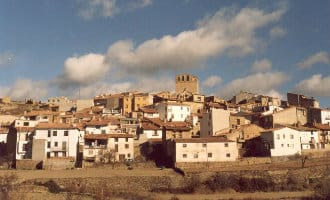 Dorp in Castellón biedt een baan en huurprijs van 50 euro voor een huis aan gezinnen