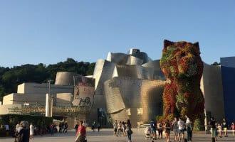 Levende dieren-kunst in het Spaanse Guggenheim na verwijdering in New York