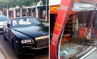Britse playboy rijdt zijn Rolls Royce achteruit een winkel in op Mallorca