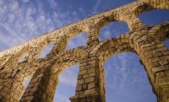 Initiatief om Aquaduct van Segovia af te breken