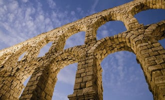 Initiatief om het aquaduct in Segovia af te breken vanwege Romeinse onderdrukking