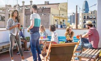 Een terras verhuren of huren voor barbecues en feestjes via een website in Spanje