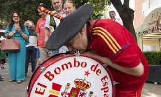 WK-2018: Manolo el del Bombo mag van de FIFA de grote trommel niet meenemen naar Spanje-Rusland