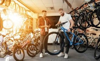 Er worden steeds meer normale en elektrische fietsen verkocht in Spanje