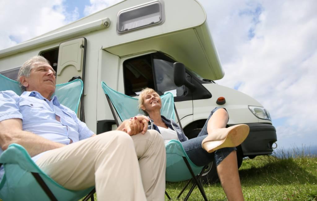 Wat is het verschil tussen parkeren en kamperen met campers in Spanje