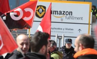 Staking van personeel bij Amazon Madrid op de kortingsdag Prime Day