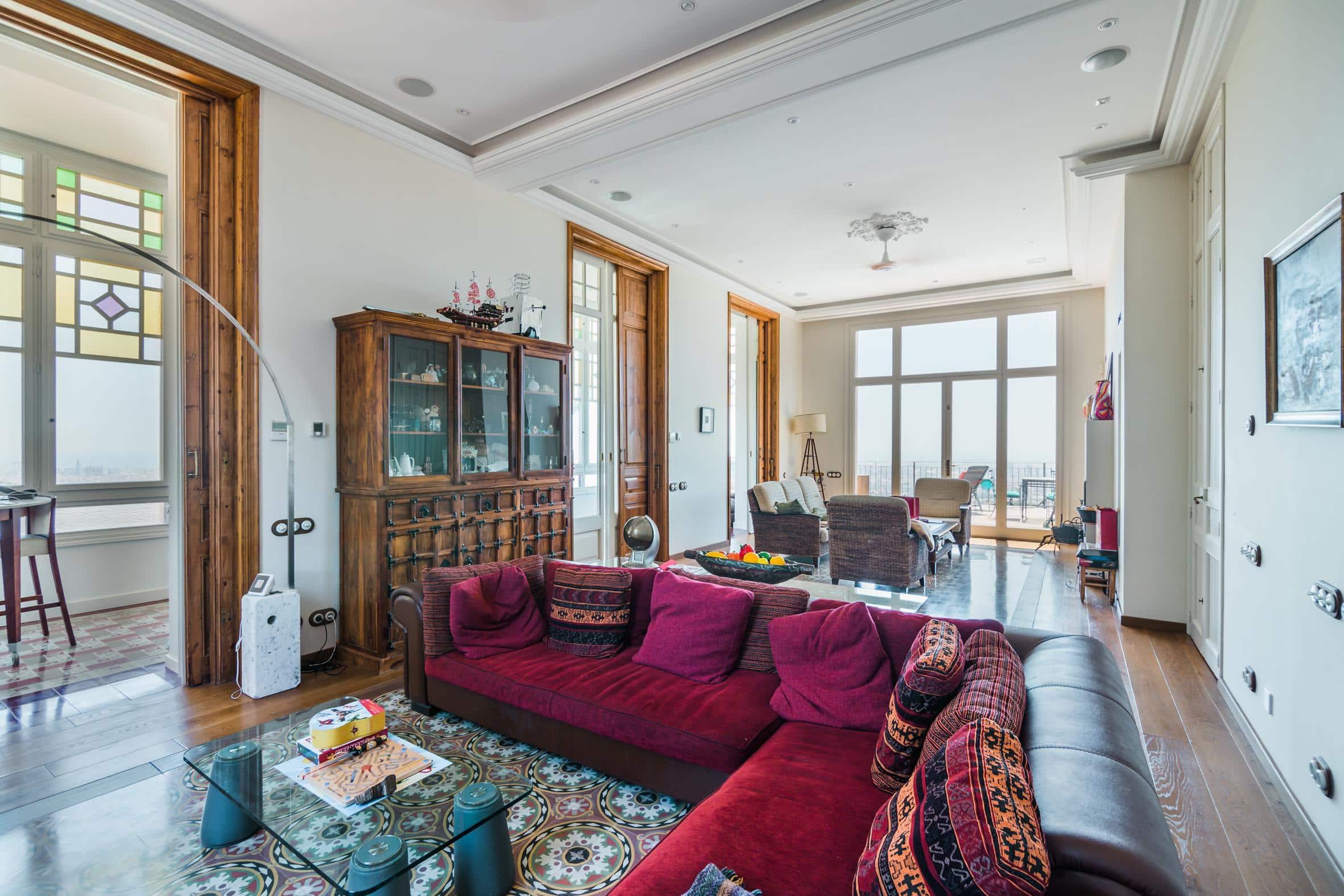 """Spectaculair gelegen modernistische """"Villa Paula"""" in Barcelona staat te koop"""