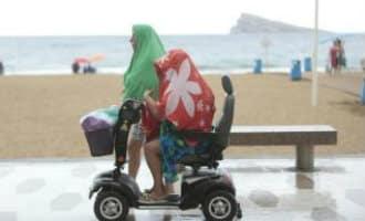 Hoosbui in Benidorm zet straten blank en zorgt voor enige paniek op het strand