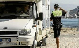 "Campers verboden bij ""Agua Amarga"" strand Alicante"
