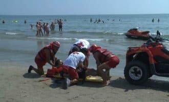 Vierjarige komt om het leven nadat hij in een opblaasboot zeeinwaarts werd geduwd in Cádiz