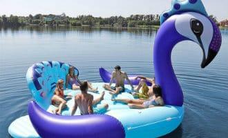"""Het gevaar van de grote opblaasbare """"flotadores"""" in Spanje"""