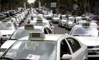 Taxichauffeurs Spanje stoppen met staking