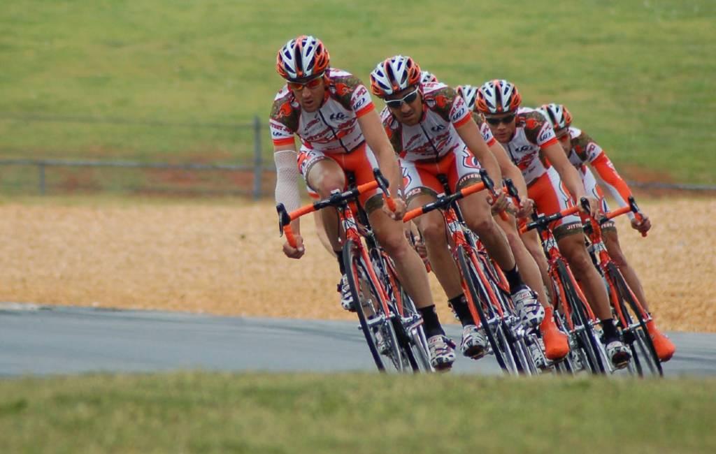 Hoe moet je in groepsverband fietsen in Spanje