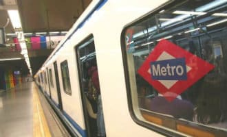 Paniek metro Madrid na het ontploffen van een tablet