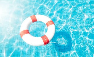 Britse toerist die op Menorca twee kinderen redde wil een vergoeding