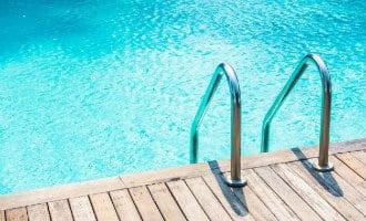 18 maanden jong Belgisch kind verdronken in zwembad