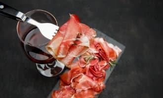Nazomeren en gewicht verliezen met ham en wijn