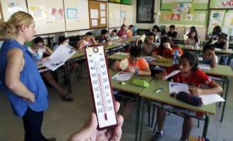Leerlingen krijgen buiten les vanwege hitte in klaslokalen Alicante