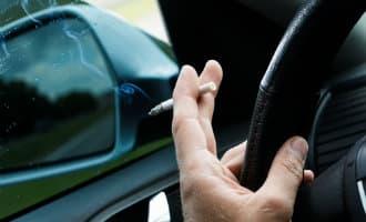 Catalonië wil het roken in de auto verbieden