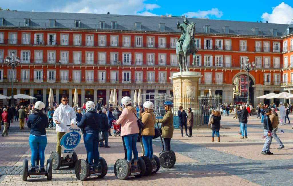 Nieuwe gemeente verordening voor het autoverkeer, fietsen en steps in Madrid