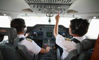 Vliegtuigen van Ryanair botsen tijdens vlucht boven Spanje bijna op elkaar