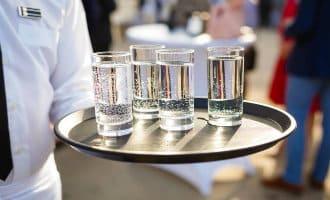 Gratis kraanwater in Spaanse horeca is bedreiging flessenwater