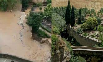 Kolkende watermassa verwoest bijna Romeinse brug in Ronda