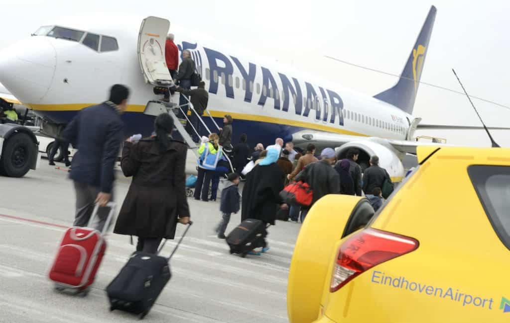 Basis Ryanair vliegveld Eindhoven Airport sluit met gevolgen vluchten Spanje (UPDATE)