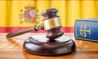 Bijna de helft van de Spanjaarden vindt het noodzakelijk de grondwet aan te passen