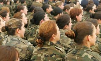 Vrouwen met een lengte van 1.55 meter in Spaans leger