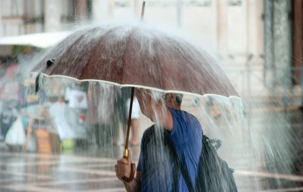 Canarische Eilanden krijgen te maken met storm Carlos