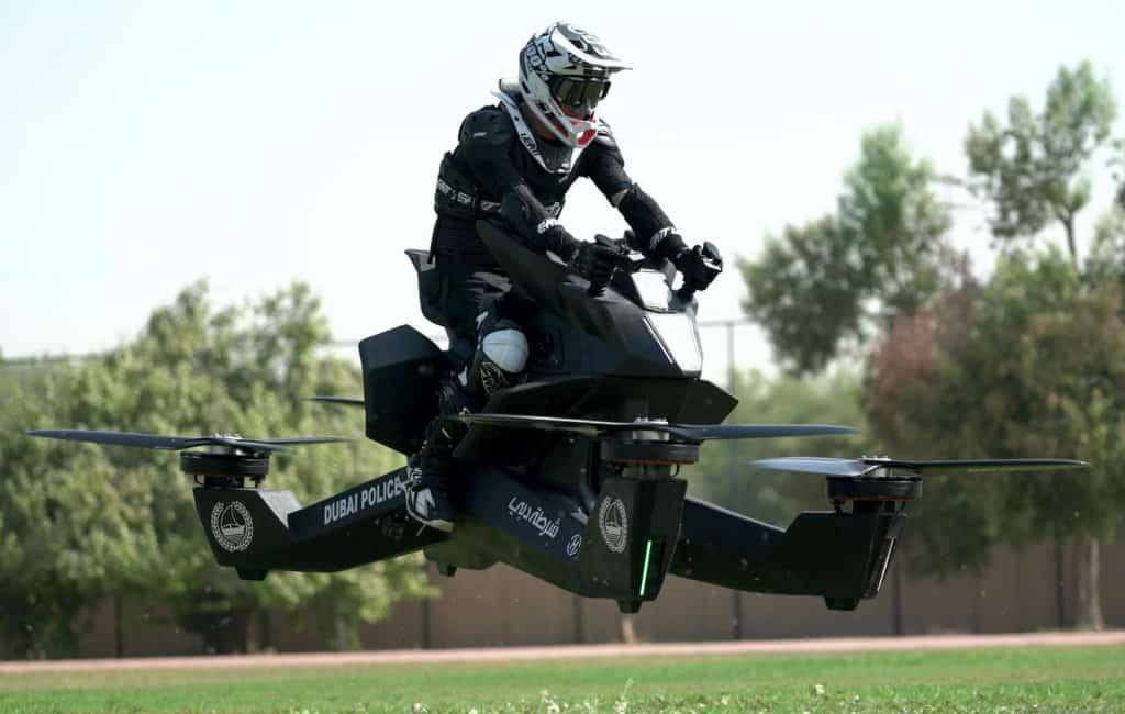 Zijn de vliegende motoren van Dubai ook een goed idee voor de Spaanse politie