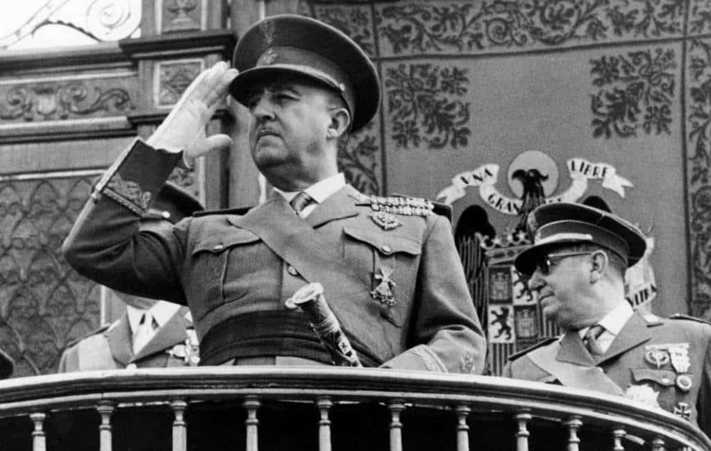 Franco is 43 jaar na zijn dood nog steeds springlevend in Spanje