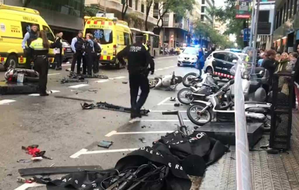 Automobilist veroorzaakt paniek, schade en diverse gewonden in Barcelona